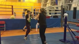 Тренировка по боксу  Пуш-пуш Толчки в плечо