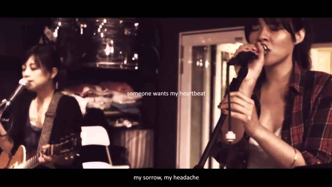 「slow」網路首播-女孩與機器人X絲襪小姐 - YouTube