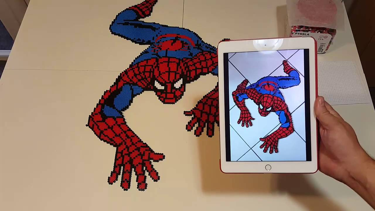Hama Beads Spiderman: Como Hacer Spiderman Con Hama/ Perler Beads.