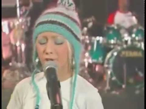 Christina Aguilera   Impossible  AOL Sessions 2002