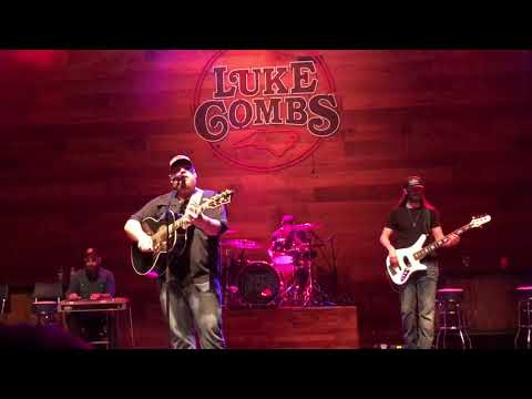 Luke Combs Houston We Have A Problem Live Columbus, Ohio 11/10/2017