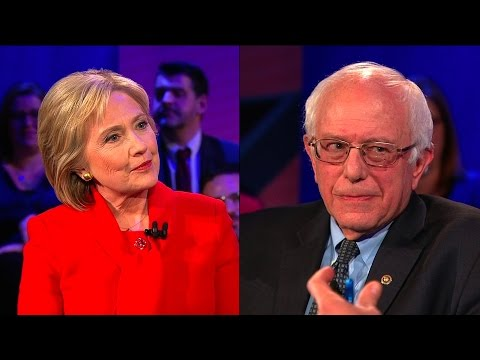 Iowa Votes Tonight: Bernie Sanders or Hillary Clinton?
