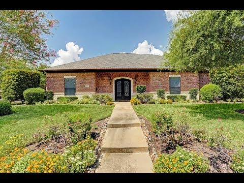 Beautiful Home in Braeswood Place, Zoned to Fantastic Schools!