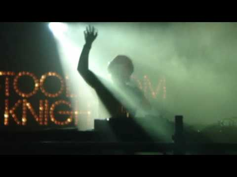 Axwell playing Leave The World Behind  at Global Gathering July 24th 2009, England