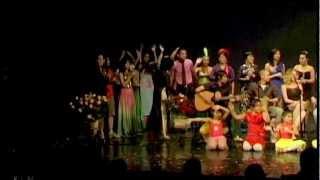 Nối vòng tay lớn - Bài hát kết thúc đêm văn nghệ 2.9.2012