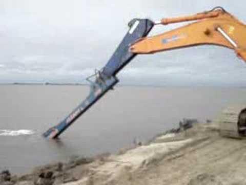 Escavadeira longo alcance a maior do brasil!