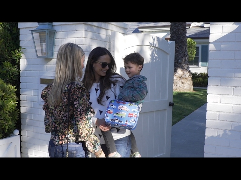 CHIC MAMA CARPOOL  JORDANA BREWSTER