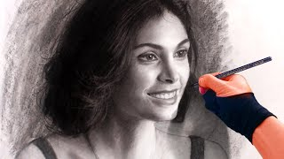Drawing the beautiful Morena - Art Portrait Video