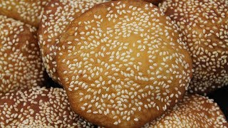 Beignets aux sésames - Bánh Tiêu  咸煎饼 - Cooking With Morgane