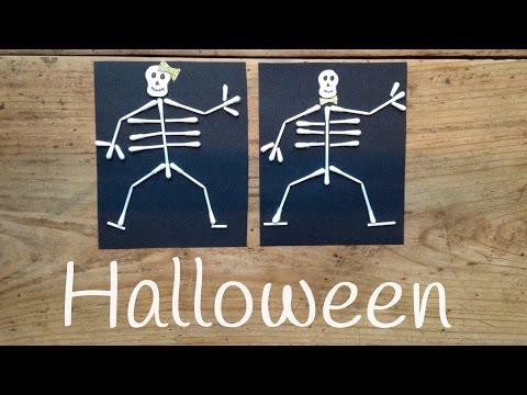 Esqueleto humano con palillos, unas manualidades de halloween para niños