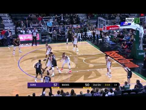 Bucks - Giannis Antetokounmpo puts on a dunk clinic in Friday's Bucks game