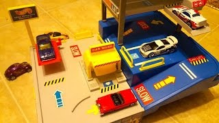 Hot Wheels Sto & Go Parking & Service Garage Playset from 1995