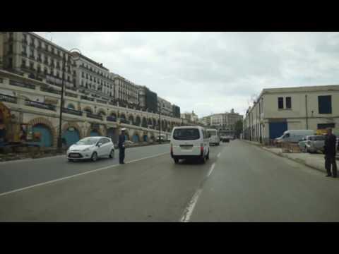Réveil-FM: Le cortège du PM Bernard Cazeneuve direction la Basilique Notre Dame d'Afrique à Alger !