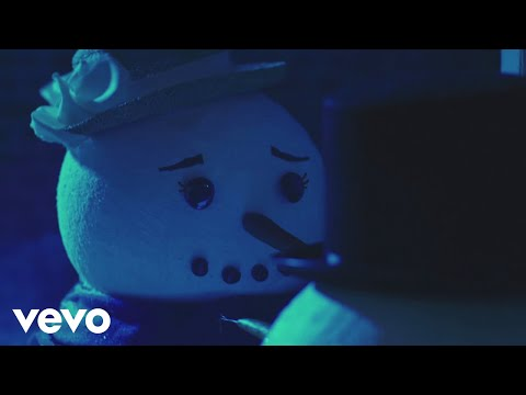 [OFFICIAL VIDEO] Coldest Winter - Pentatonix