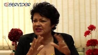 Luza Maia pede para tia Eron não apoiar Eduardo Cunha