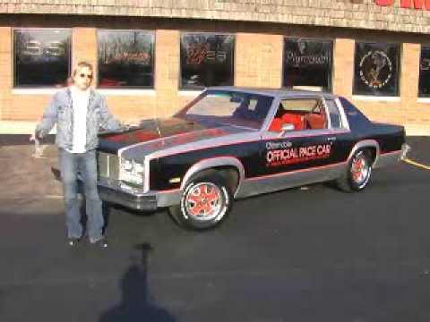 1977 oldsmobile delta 88 royale official indy pace car youtube. Black Bedroom Furniture Sets. Home Design Ideas