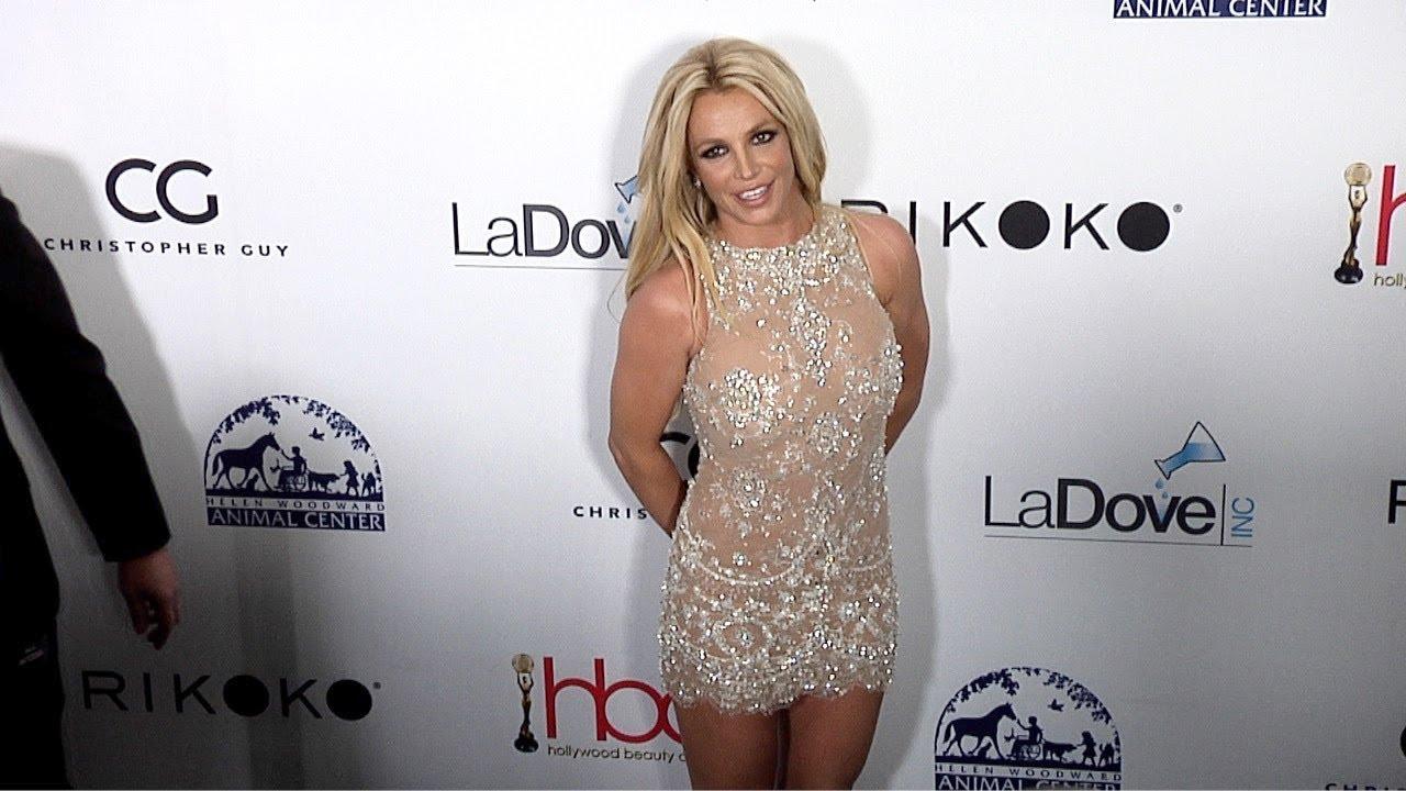 Resultado de imagem para britney Hollywood Beauty Awards