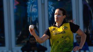 Megan Schutt in the wickets | Women's T20 World Cup