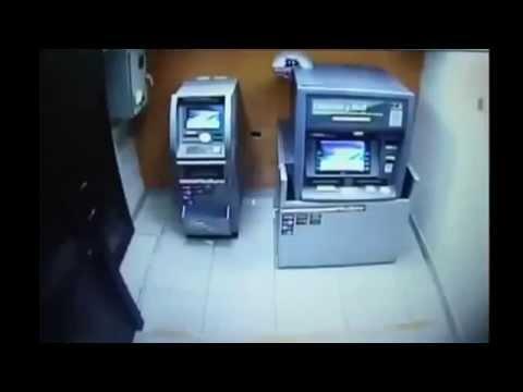 Угарный прикол 2014 года  грабители профи грабят банкомат за несколько секунд! 1
