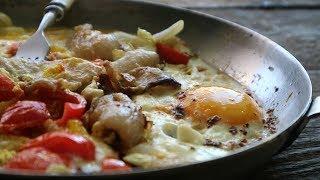 Яичница по деревенски с салом и помидорами. Еда для сильных людей | Яешня з салам | Omelette