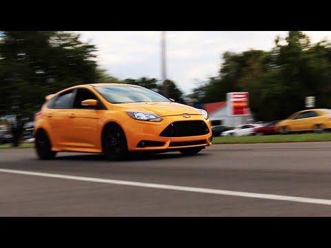 ford focus st stock exhaust vs roush performance exhaust youtube. Black Bedroom Furniture Sets. Home Design Ideas