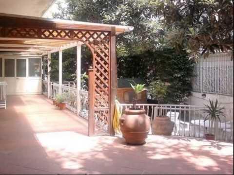 Colli aminei ampio appartamento con giardino youtube - Casa con giardino napoli ...