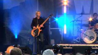 Twisted Wheel - Lucy The Castle // LIVE at Kendal Calling 2009