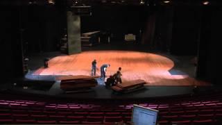 Miehet työssä! Oulun kaupunginteatterin suuren näyttämön arkea pikana