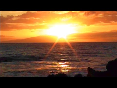 Maui Sunset Video w/ Ocean Surf Sound - Relax for 1 Hour (full HD)