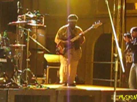 The Wailers - Aston Barrett Bass Solo + War - Live @ Pisa 28-4-09