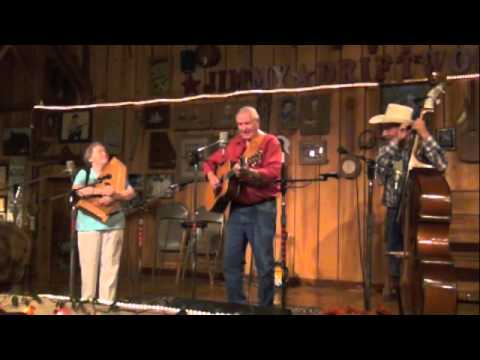 RON AND PEGGY TAYLOR AT THE DRIFTWOOD BARN 6-8-2012