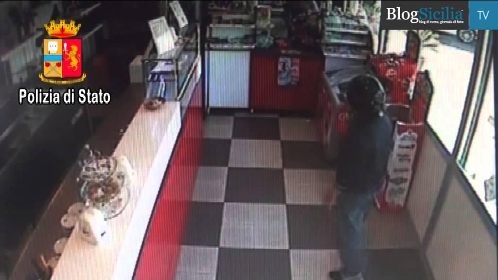 Catania, polizia sventa furto in una tabaccheria$