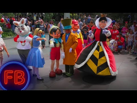 Mad Hatter and the Red Queen make DISNEYLAND MAGIC in the streets