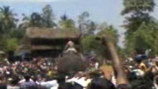 Thrikkadavoor sivaraju participating umayanaloor ANAVALLPIDI.3gp