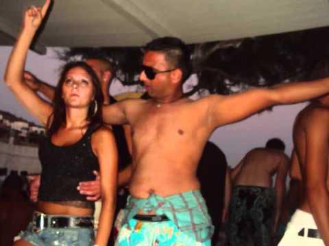 Sexy beach party girls