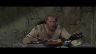 Теренс Хилл кушает фасоль (Меня зовут Троица 1971)