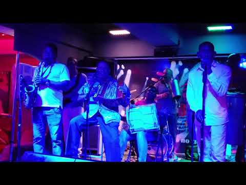 Maestro Pedron El Rey De Los Bares - Rumba Deluxe Bar & Lounge Santo Domingo