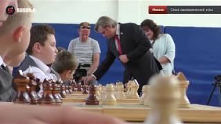 И. о.  министра образования Удмуртии сыграл в шахматы со школьниками