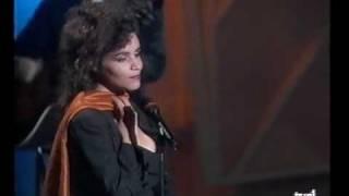 Amina - C'est Le Dernier Qui A Parlé Qui A Raison