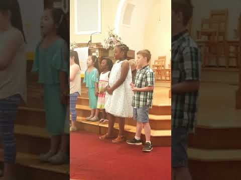 Jordan and Camden singing on mother's day 2018