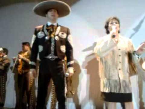 DIANA NEGRETE HIJA DE JORGE NEGRETE CANTANDO MEXICO LINDO Y QUERIDO