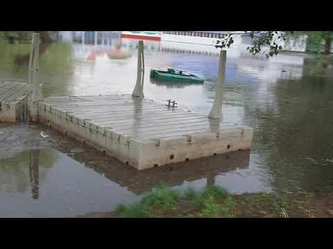 Россошь. Ливень. Затопило улицы, дворы. Затопило парк. (2 часть)
