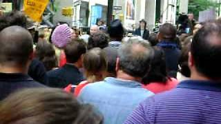 rusell brand singing the clap filming the today show scene in get him to the greek