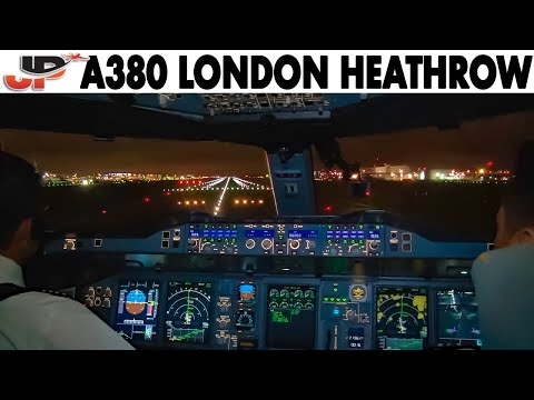 Piloting AIRBUS A380