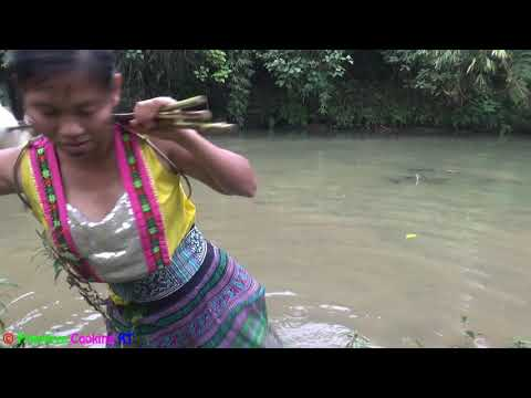 Primitive technology - Find food primitive skills catch fish & cooking fish - Eating delicious