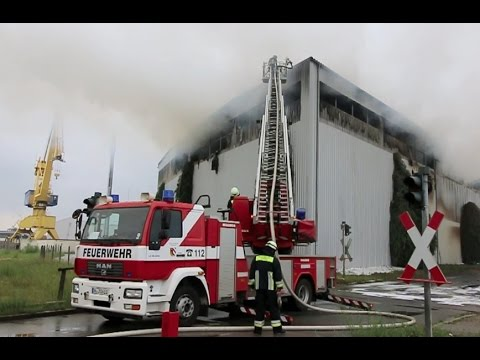 feuerwehr n rnberg grossbrand am hafen youtube. Black Bedroom Furniture Sets. Home Design Ideas