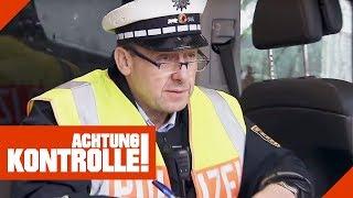 Handy am Steuer halten erlaubt? Verkehrskontrolle der Polizei  | Achtung Kontrolle | Kabel Eins