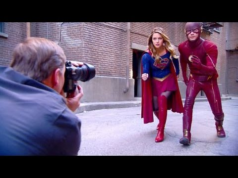 Supergirl meets The Flash - Behind the scenes