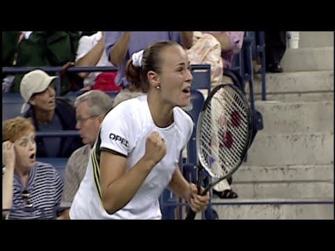 Martina Hingis Around the Net vs Venus