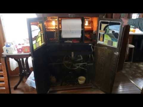 Bruce's Antique Nickelodeon Music Player in New York | JER JOHNS